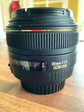 Great Sigma 30mm F1.4 DC HSM Lens With Hood and both Covers - Canon Mount.