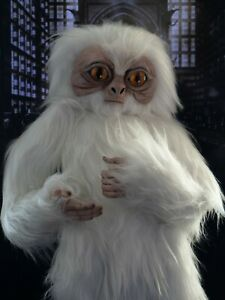 Art toy Pygmy Demiguise is based on the movie Fantastic Beasts.