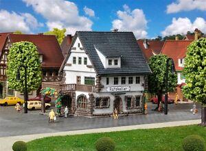 49545 / 9545 Vollmer Z Gauge Kit of a Village inn with cellar