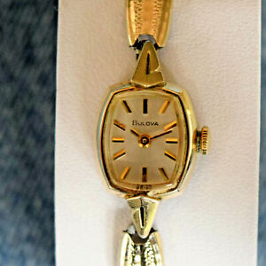 Beautiful 1970 Vintage Swiss Bulova N0 10K RGP 17 Jewels Winding Dress Watch