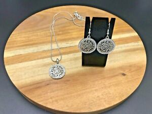 Rhodium Patterned Circle Necklace & Earrings with Swarovski Crystals
