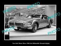 OLD LARGE HISTORIC PHOTO OF NEW YORK MOTOR SHOW 1968 OLDSMOBILE TORNADO DISPLAY
