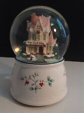 """PFALTZGRAFF """"WINTERBERRY"""" WELCOME 2000 MUSICAL SNOW GLOBE I'LL BE HOME FOR XMAS"""