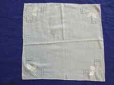"VINTAGE 12""BY 12"" WHITE EMBROIDERED HANDKERCHIEF BRIDAL COLLECTABLE/ CRAFTS"