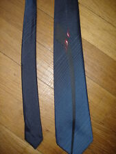 Cravate made in France largeur maxi 7,5 cm longueur 145 cm
