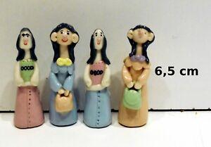 lot de 4 personnages pour vitrine, crèche ou collection, quatre filles tp14