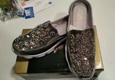 Joan Boyce Heidi Mule Floral Appliques Slip On Lining Trim Pewter 10W NEW