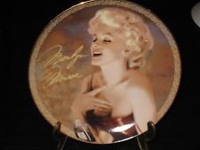 """BRADFORD EXCHANGE COLLECTOR PLATE MARILYN MONROE """"BLOND PASSION""""  WITH EASEL"""