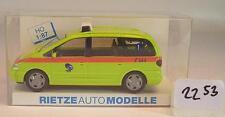 Rietze 1/87 50763 VW Sharan Notarztfahrzeug Sanität Basel Schweiz OVP #2253
