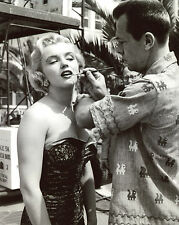 Marilyn Monroe in Make-up 8x10 photo T3480