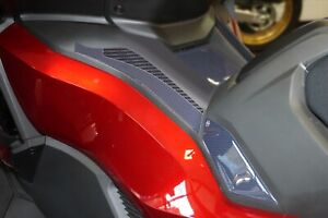 2 adesivi in resina gel 3D laterali pedana scooter compatibili Honda Forza 750