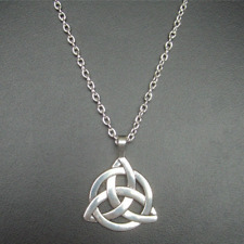 New Triquetra Celtic Trinity Knot Necklace Pendant Jewellery Irish Gift Wedding