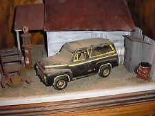 1/24 1950's Ford F-100 Custom Lifted 4x4 Panel w/ windows junkyard diorama parts