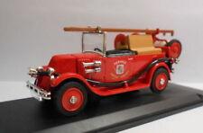 Modellini statici di auto , furgoni e camion rossi marca Eligor renault