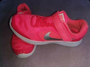 Sportschuhe Nike Gr. 33,5 Mädchen