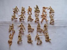 "LOT OF 21 PLASTIC MINIATURE STAND-UP 2"" DESERT STORM INFANTRY MEN"