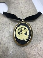 Handmade Antique Vintage Etched Angel Acrylic Q Cameo Bronze Locket Pendant