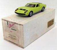 Illustra Models 1/43 Scale IC1 - Lamborghini Miura - Lime Green