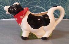 Pot a lait / crémier en faience Vache avec son foulard