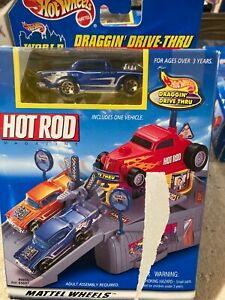 1999 HOT WHEELS HOT ROD MAGAZINE DRAGGIN' DRIVE-THRU WITH 1957 CHEVY 89855