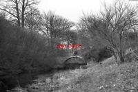 PHOTO  1974 WINCHFIELD HAMPSHIRE SPRATT'S HATCH BRIDGE BASINGSTOKE CANAL SEEN FR