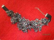 Modeschmuck - Halskette , bunter Stoff + weiße Glassteine + weiße Perlen  /S46