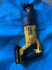 Dewalt 20v Max Reciprocating Saw Variable Speed DCS380 Lo New And 1 Battery