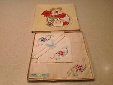 Vintage Ladies Boxed Set Of 3 Floral Embroidered New Handkerchief Hankies Hanky