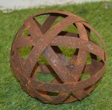 sphère décorative pour le jardin en fer forgé