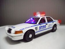 "1/18 NYPD New York Police Department Ford Crown Victoria ""WORKING"" LIGHT/4 SIREN"
