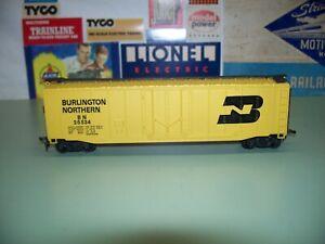 HO SCALE BACHMANN BURLINGTON NORTHERN 50' BOX CAR