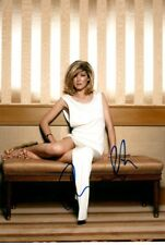 ROSAMUND PIKE signed Autogramm 20x30cm JAMES BOND In Person autograph