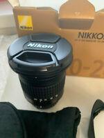 Nikon Nikkor AF-P DX 10-20 mm F/4.5-5.6 VR G Objektiv (Schwarz)