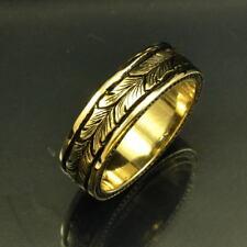 14k Yellow Gold Had Engraved Band