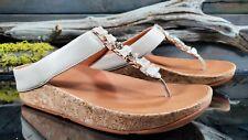 FitFlop Ruffle Toe Womens Sz 8 US Beige Leather Thong Flip Flops Comfort Sandals