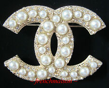 AUTHENTIC CHANEL CC Logo PIN BROOCH Gold Crystals PEARL Classic New 2017 Rare