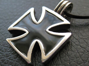 Croix de Fer Acier Inox Chaine Pendentif Malte Ek / Es 421
