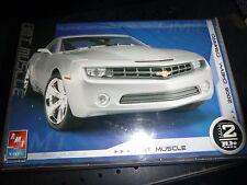 AMT 2006 Chevy Chevrolet Camaro 38467 Model Car Mountain KIT FS 1/25