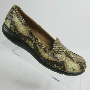 Clarks Bayou Q Beige Snake Print Leather Slip On Loafers Shoes Womens Size 6 M