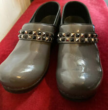 SANITA Koi Professional gray leather closed back clogs Studded shoes size 39 New