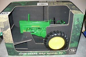 1/8 JOHN DEERE 70 Toy Tractor NIB Scale Models