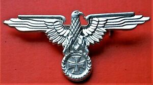 WW2 GERMAN MILITARY CAP BADGE EAGLE AND IRON CROSS  SILVERED REPRO NICE