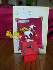 PEANUTS Santa Beagle & Friends HALLMARK 2005 SNOOPY on DOGHOUSE w Woodstock w bx