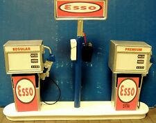 ESSO Station Gas Pump Island (Ready to Display) 1:18-1:24 Scale NWB