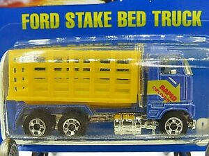 HOT WHEELS VHTF BLUE CARD SERIES FORD STAKE BED #99