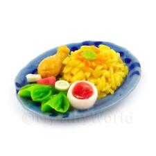 miniatura per casa delle bambole Pollo Riso e bacchette su un piatto in ceramica