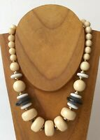 """Vintage Creamy Black White Lucite Bead Gold Tone Spacer Necklace 18"""""""