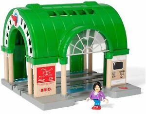 Brio CENTRAL TRAIN STATION Wooden Toy Train