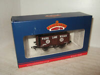 New Bachmann 37-082A 7 Plank Wagon, Park Lane Wigan, in 00 Gauge.