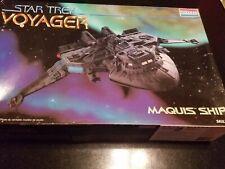 Star Trek Voyager Model Kit Maquis Ship #3605 Complete 1995 Monogram Revell
